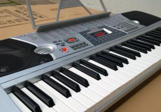 NEJVĚTŠÍ PROFI VÝUKOVÉ PIANO (KLÁVESY)