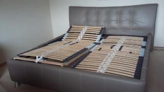 Kožená manželská postel